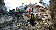 14 Dead as 6.2 Quake Devastates Towns in Central Italy