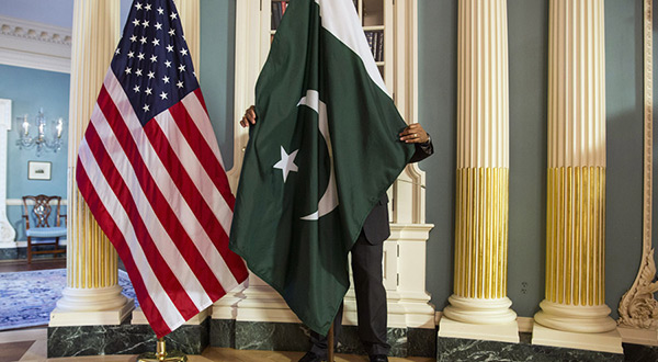 US-Pakistan flags