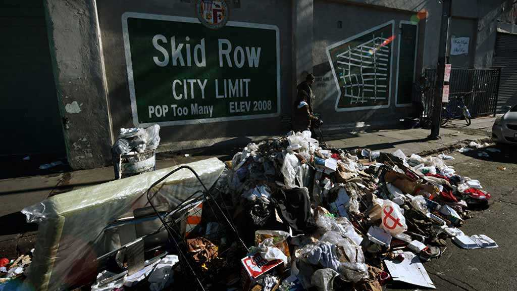 Rats Feasting on Huge Trash Piles Spark Fears of Bubonic Plague Outbreak in LA