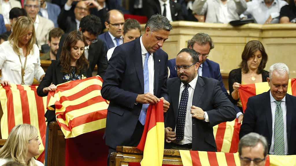 Spanish Parliament Suspends Jailed Catalan Leaders' Rights
