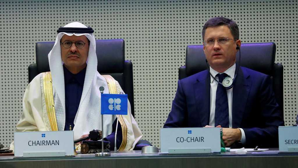 Russia, Saudi 'Very Close' to Deal Despite Earlier Reports of Delaying Meeting on Oil Output Cuts