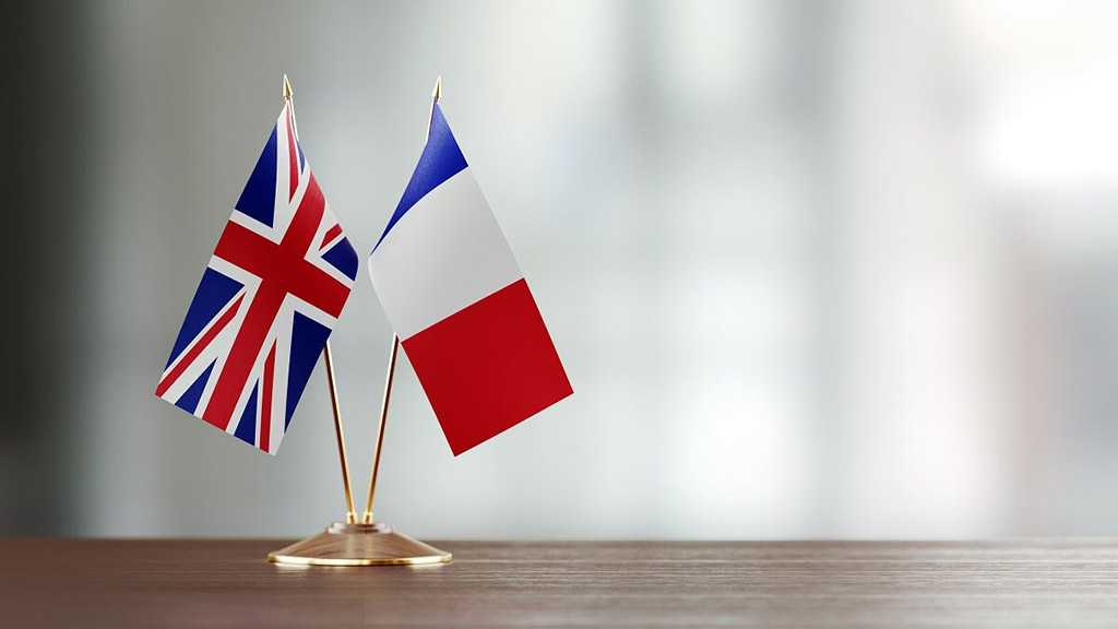 "France Accuses UK of ""Blackmail"" Over COVID-19 Vaccine Deliveries"